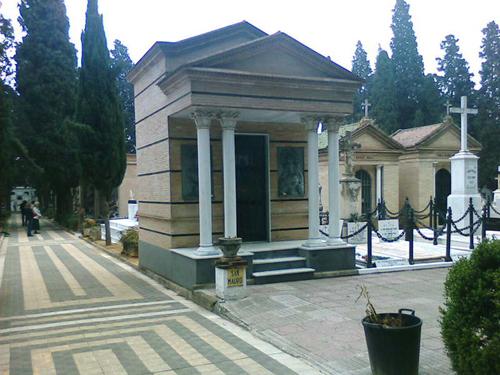 Mausoleos